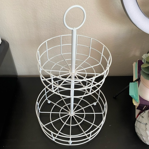 White 2 tiered tray